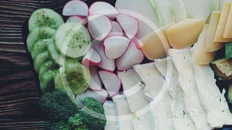 Cheese & Veggie Platter